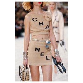Chanel-2019 Spring LOGO Suit-Beige