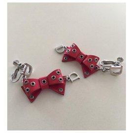 Dior-Boucles d'oreilles pendantes en cuir verni à nœud rose DIOR-Rose