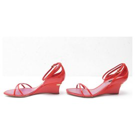 Louis Vuitton-LOUIS VUITTON STRAWBERRY WEDGE SANDALS HEELS 39.5 LEATHER + BOX-Red