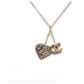 Chanel-CHANEL HEART AND CC LOGO NECKLACE 45 CM GOLD METAL PENDANT CHAIN NECKLACE-Golden