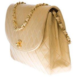 Chanel-Very beautiful Chanel Classique handbag in beige quilted lambskin, garniture en métal doré-Beige