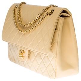 Chanel-Splendid Chanel Classique bag in beige quilted leather, garniture en métal doré-Beige