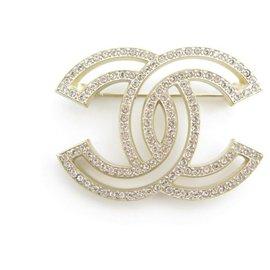 Chanel-NEW CHANEL LOGO CC STRASS A BROOCH64746 IN GOLD METAL NEW GOLDEN BROOCH-Golden