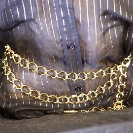 Chanel-Chanel Gold CC Medallion Charm lined Chain Belt-Golden