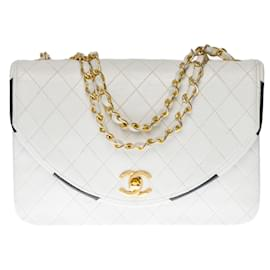 Chanel-Lovely Classic Chanel Bag 23two-tone cm with flap in white quilted leather and black leather trim-White
