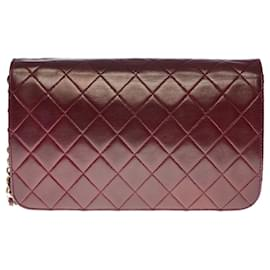 Chanel-Lovely Chanel Classic Full Flap bag in burgundy quilted lambskin, garniture en métal doré-Dark red