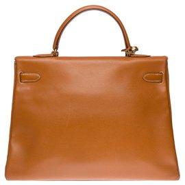 Hermès-Superbe Sac à main Hermes Kelly 35 retourné bandoulière en cuir Courchevel Gold , garniture en métal plaqué or-Doré