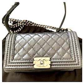 Chanel-Chanel Medium boy bag-Black
