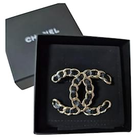 Chanel-CHANEL CC Brooch Chain Black Leather-Golden