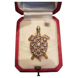 Cartier-CARTIER Broche tortue en résille or jaune ponctuée de 23 diamants sertis-Blanc,Doré