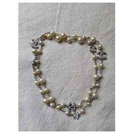 Chanel-CHANEL B14V Timeless CC Logo pearl crystal necklace-Cream