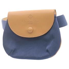 Chanel-CHANEL Caviar Skin Vanity Cosmetic Pouch Hand Bag Black CC Auth yk1929-Black