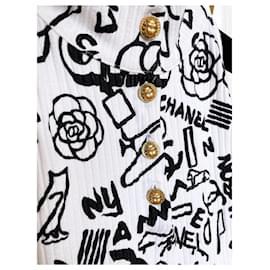 Chanel-2019 CC Logo Graffiti Top-White