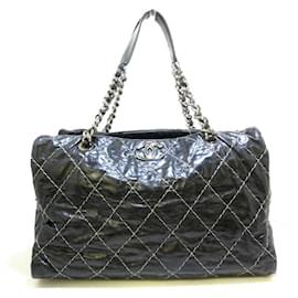 Chanel-Chanel shoulder bag-Black