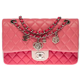 Chanel-Superb Chanel Timeless / Classic limited edition Valentine Crystal Hearts Medium handbag in Tricolore quilted lambskin, Garniture en métal argenté-Pink