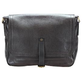 Louis Vuitton-Louis Vuitton Utah Messenger Bag-Brown