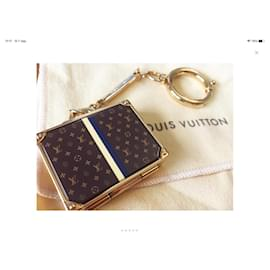 Louis Vuitton-Key Holder-Brown,Gold hardware