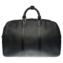 "Louis Vuitton-Very Chic ""Kendall"" travel bag in black taiga leather and black fabric, Garniture en métal argenté-Black"
