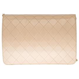 Chanel-Very chic Chanel Classique shoulder bag 25 cm beige quilted lambskin, garniture en métal doré-Beige