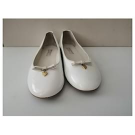 Dolce & Gabbana-Ballet flats-White