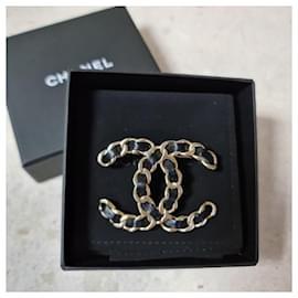 Chanel-CHANEL CC Brooch Chain Black Leather-Black,Golden