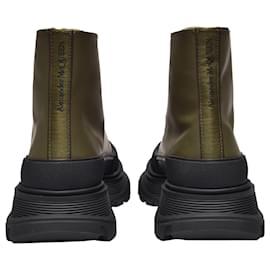 Alexander Mcqueen-Tread Slick Sneakers in Khaki Leather-Black