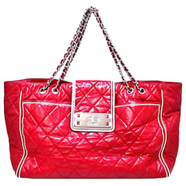 Chanel-Chanel Red East/West Lambskin Leather Tote Bag-Red