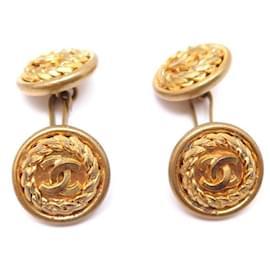 Chanel-VINTAGE BOUTONS DE MANCHETTE CHANEL LOGO CC EN METAL DORE GOLDEN CUFFLINKS-Doré