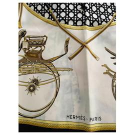 Hermès-Silk scarves-Black,White