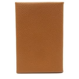 Hermès-NEW HERMES CALVI CARD HOLDER IN COURCHEVEL GOLD LEATHER NEW CARD HOLDER-Caramel