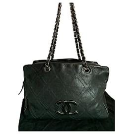 Chanel-Beautiful Chanel bag-Black