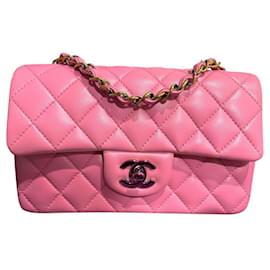 Chanel-Mini bolsa retângulo atemporal Chanel Pink-Rosa