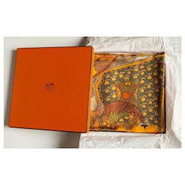 Hermès-Carré Hermès Art des steppes-Golden,Light brown
