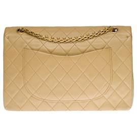 Chanel-Superb Chanel Timeless / Classique Coco handbag with lined flap in beige quilted lambskin, garniture en métal doré-Beige