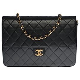 Chanel-Splendid Chanel Classique Flap bag in black quilted leather, garniture en métal doré-Black