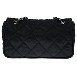 Chanel-Superb Chanel Timeless / Classique handbag with single flap in black quilted iridescent fabric, Garniture en métal argenté-Black