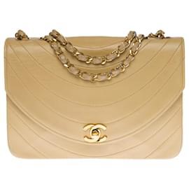 Chanel-Splendid Chanel Flap bag shoulder bag in beige quilted leather, garniture en métal doré-Beige