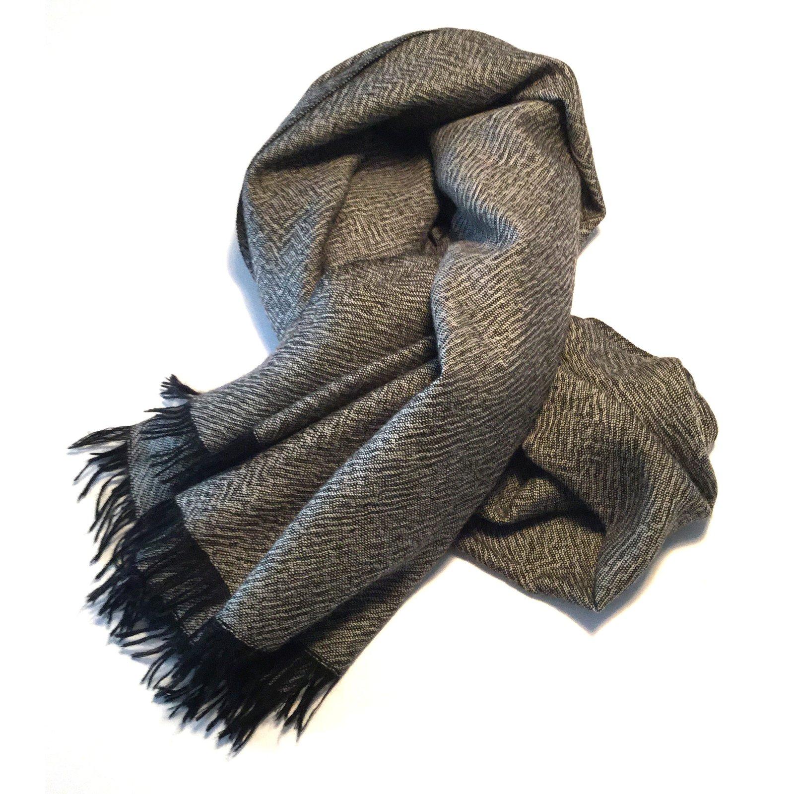 Eric bompard echarpe - Idée pour s habiller d0130330e80