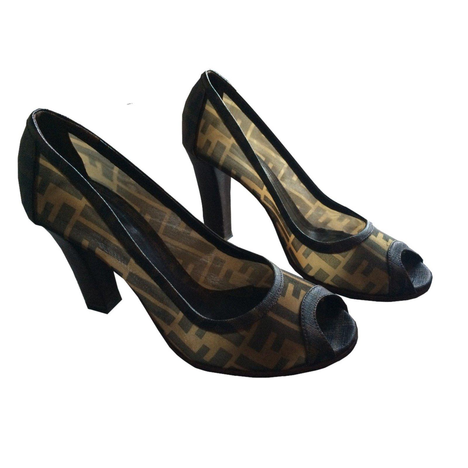 97a7f892fbbca Fendi Chaussure