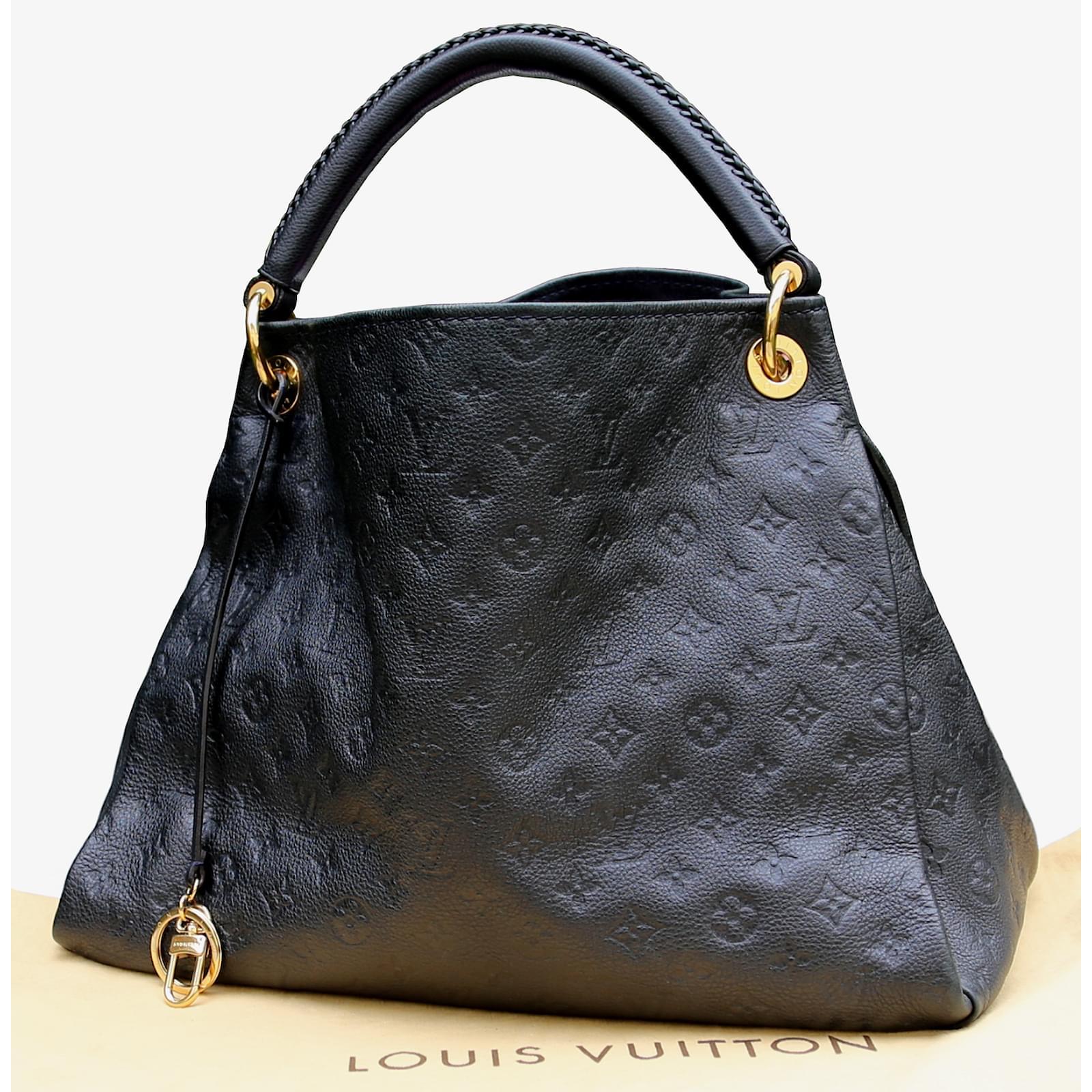 eb3f25c5a8 Louis Vuitton Handbags Handbags Leather Blue ref.6147 - Joli Closet