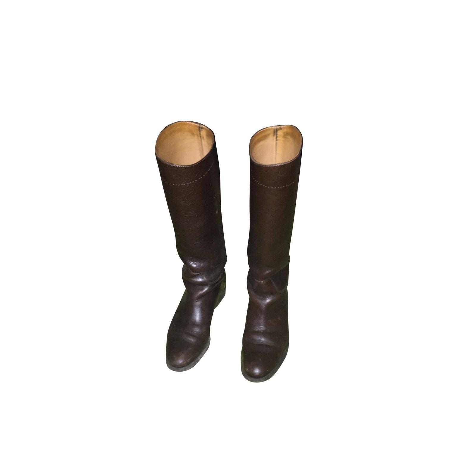 bottes burberry bottes cuir marron joli closet. Black Bedroom Furniture Sets. Home Design Ideas