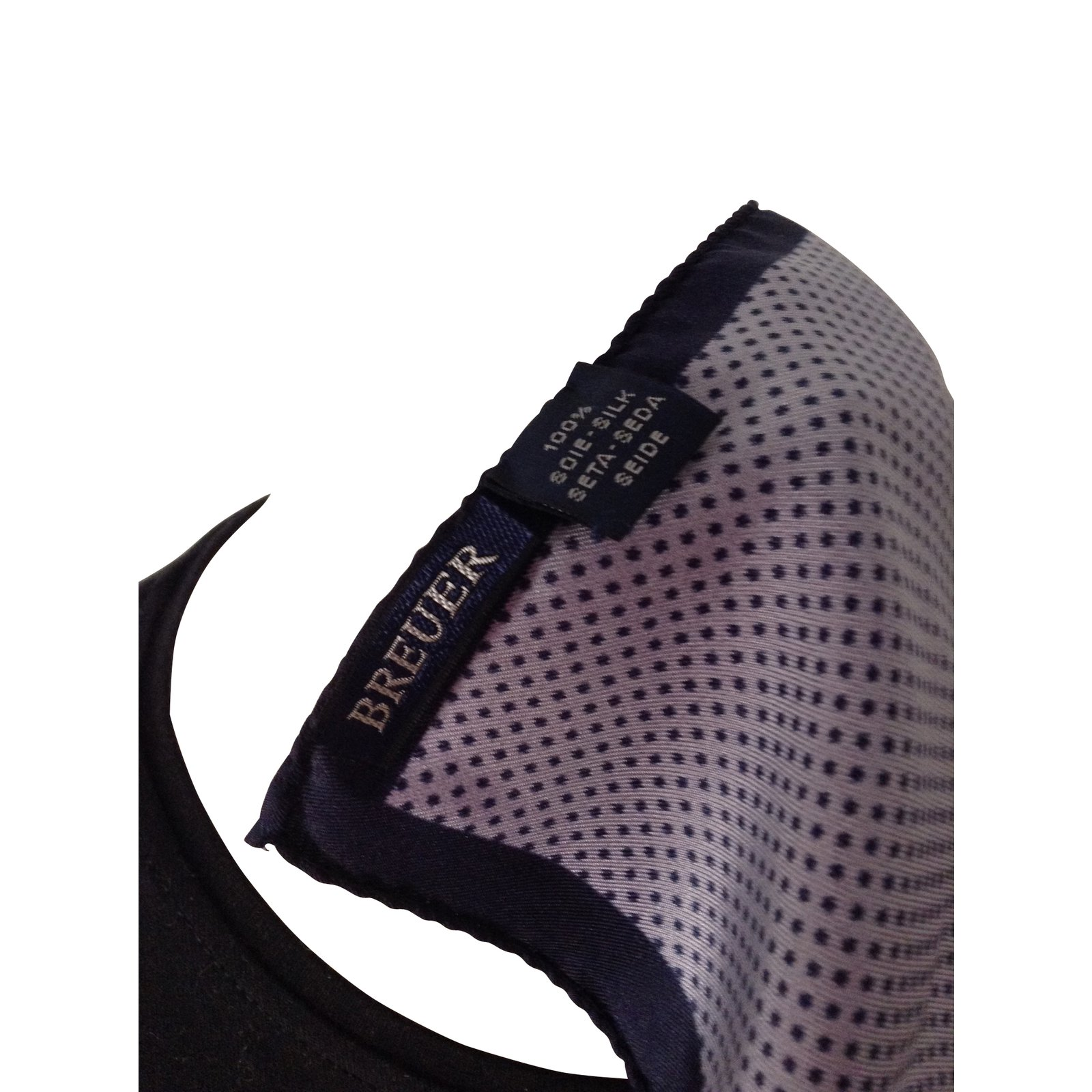 foulards autre marque foulard breuer soie violet joli closet. Black Bedroom Furniture Sets. Home Design Ideas
