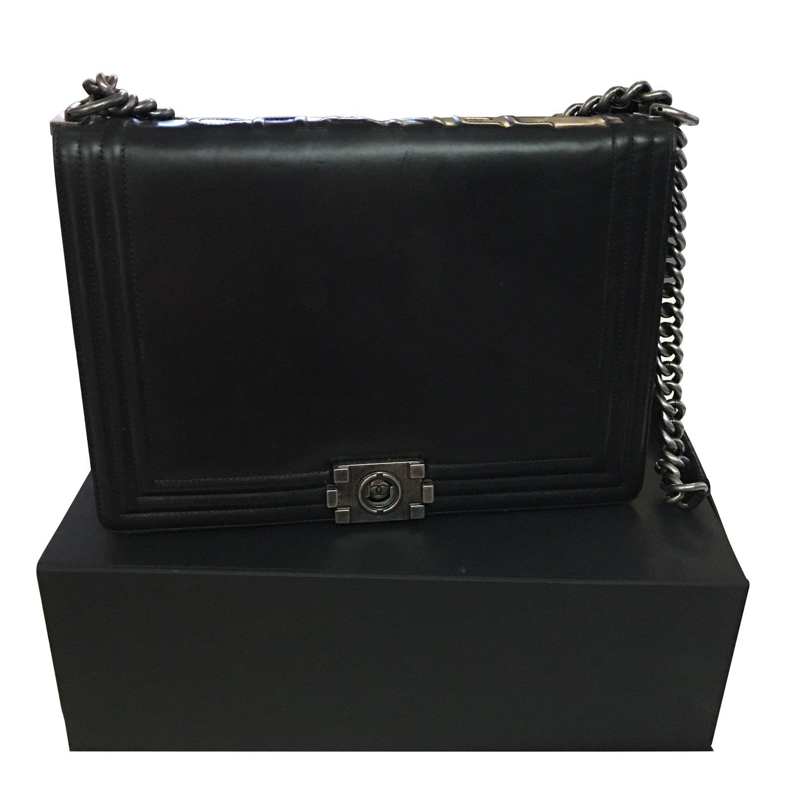 Sacs à main Chanel Boy grand modèle Cuir Noir ref.11011 - Joli Closet 7ca13e9127d5