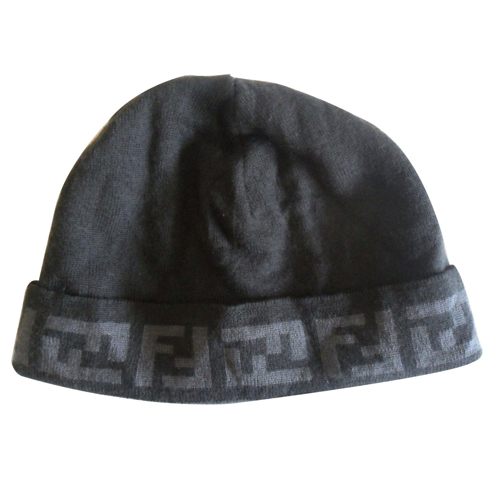 Chapeaux, bonnets Fendi Bonnet Laine Gris ref.11032