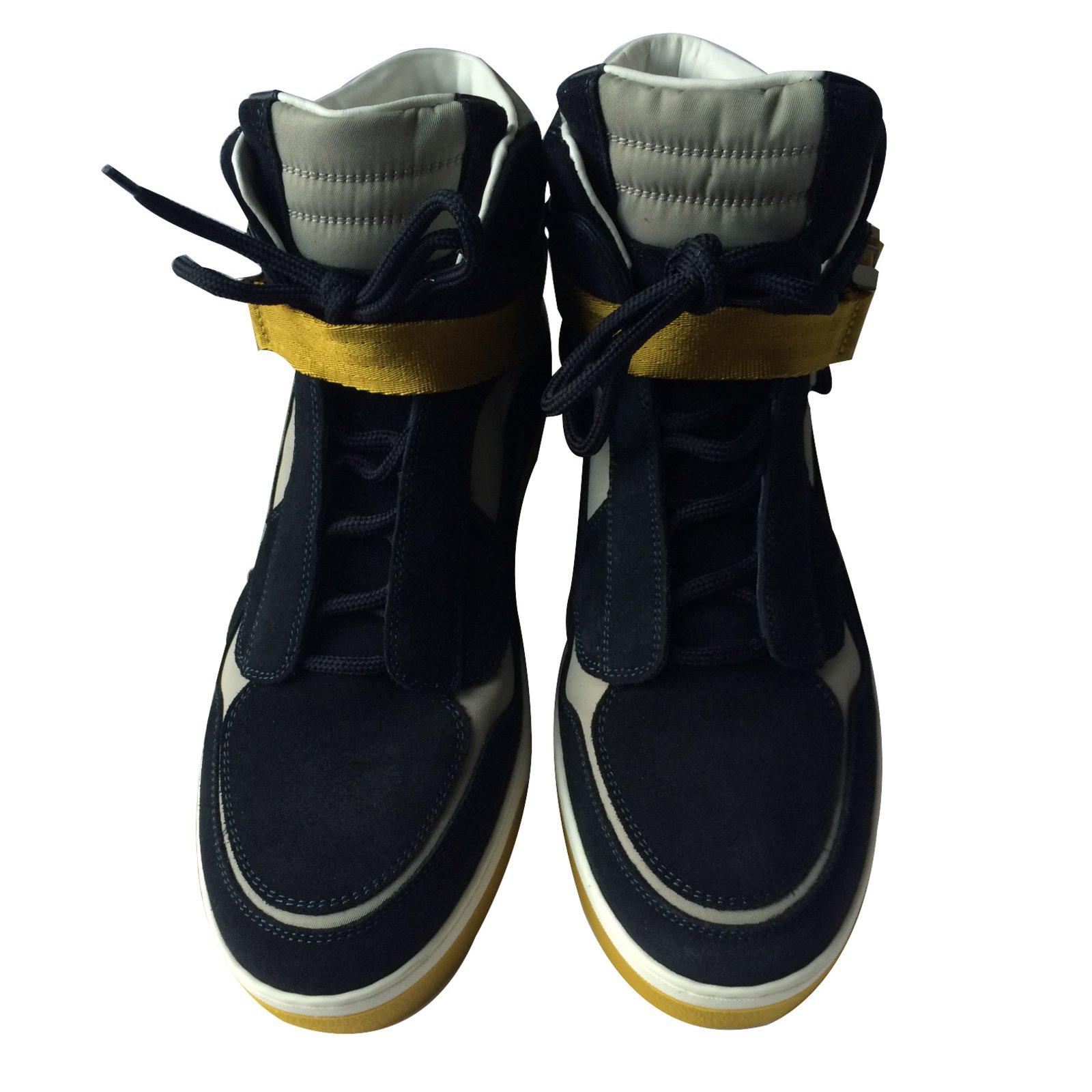 baskets homme louis vuitton sneakers daim bleu. Black Bedroom Furniture Sets. Home Design Ideas