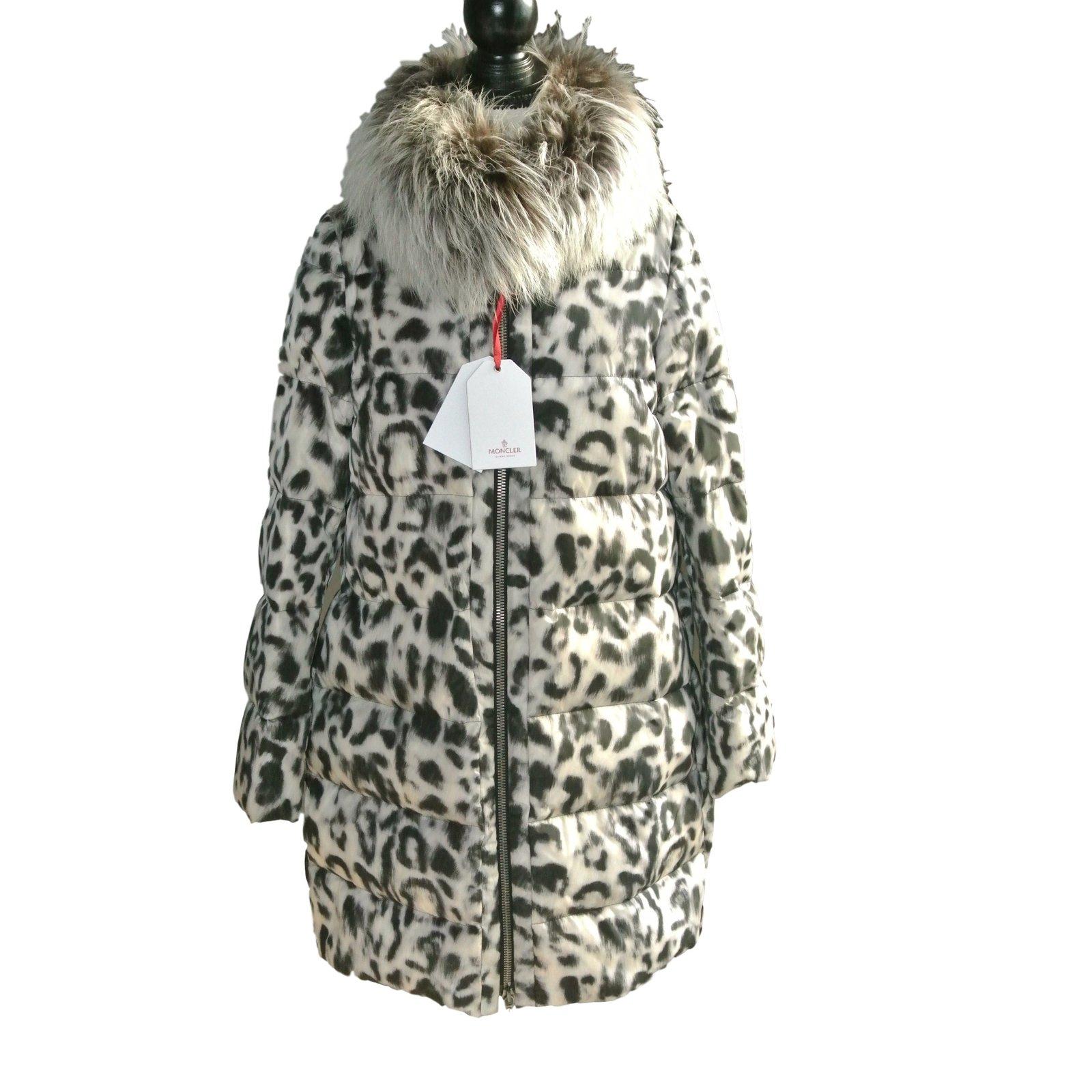 inspirant porte manteau buste femme l 39 id e d 39 un porte manteau. Black Bedroom Furniture Sets. Home Design Ideas