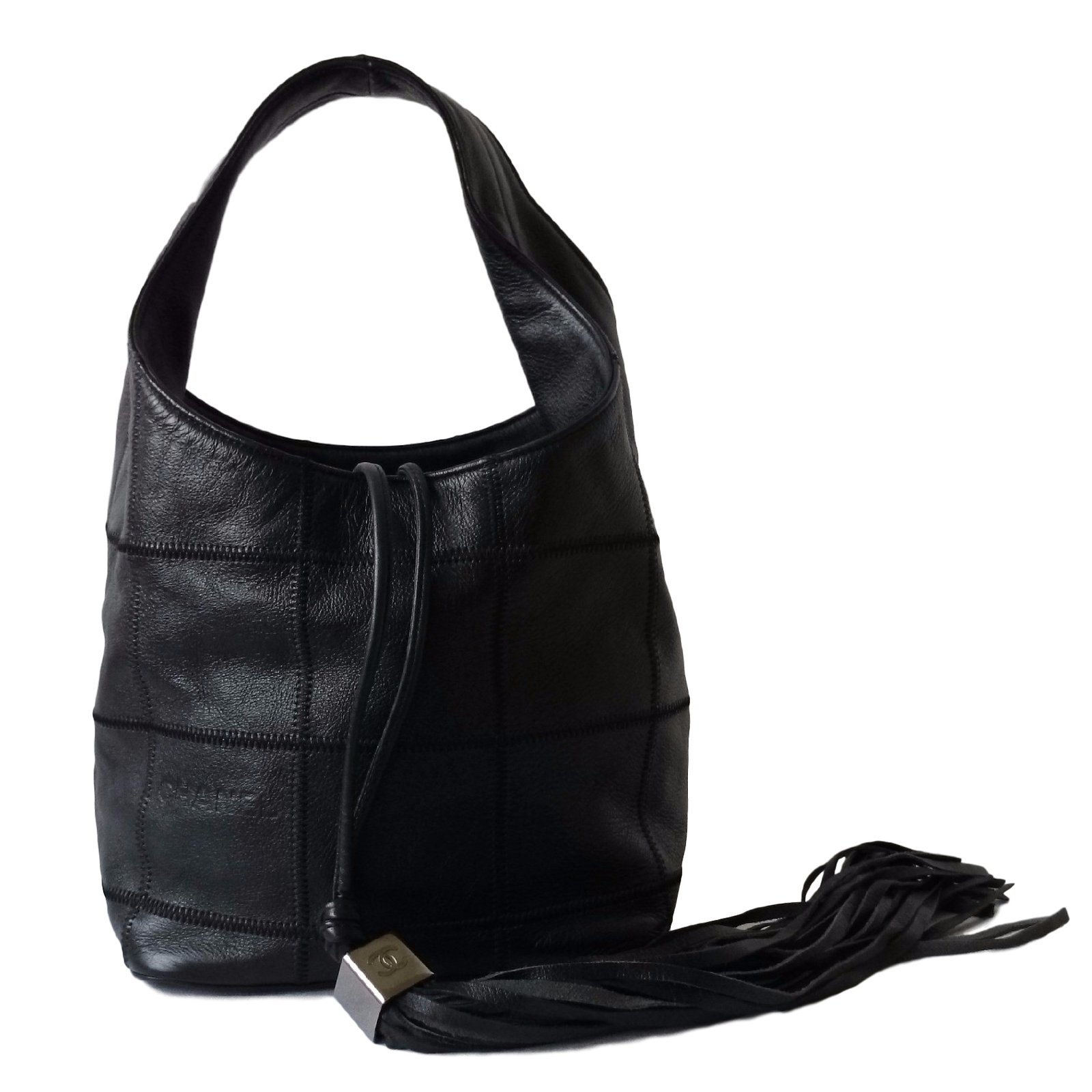 sacs main chanel sac seau cuir noir joli closet. Black Bedroom Furniture Sets. Home Design Ideas
