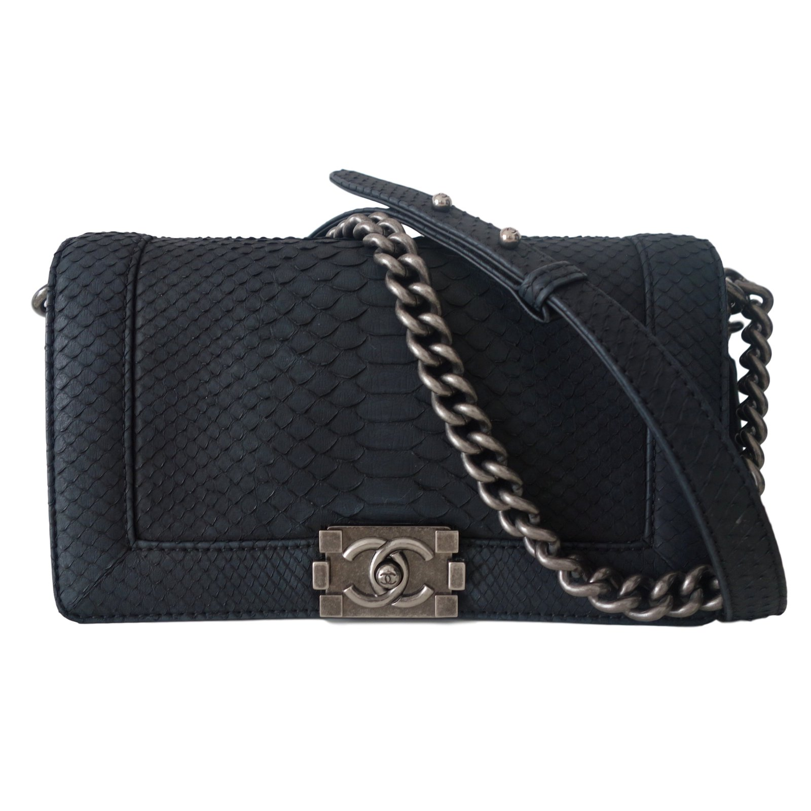 cde3bf6f50580d Chanel Handbags Handbags Exotic leather Black ref.14661 - Joli Closet