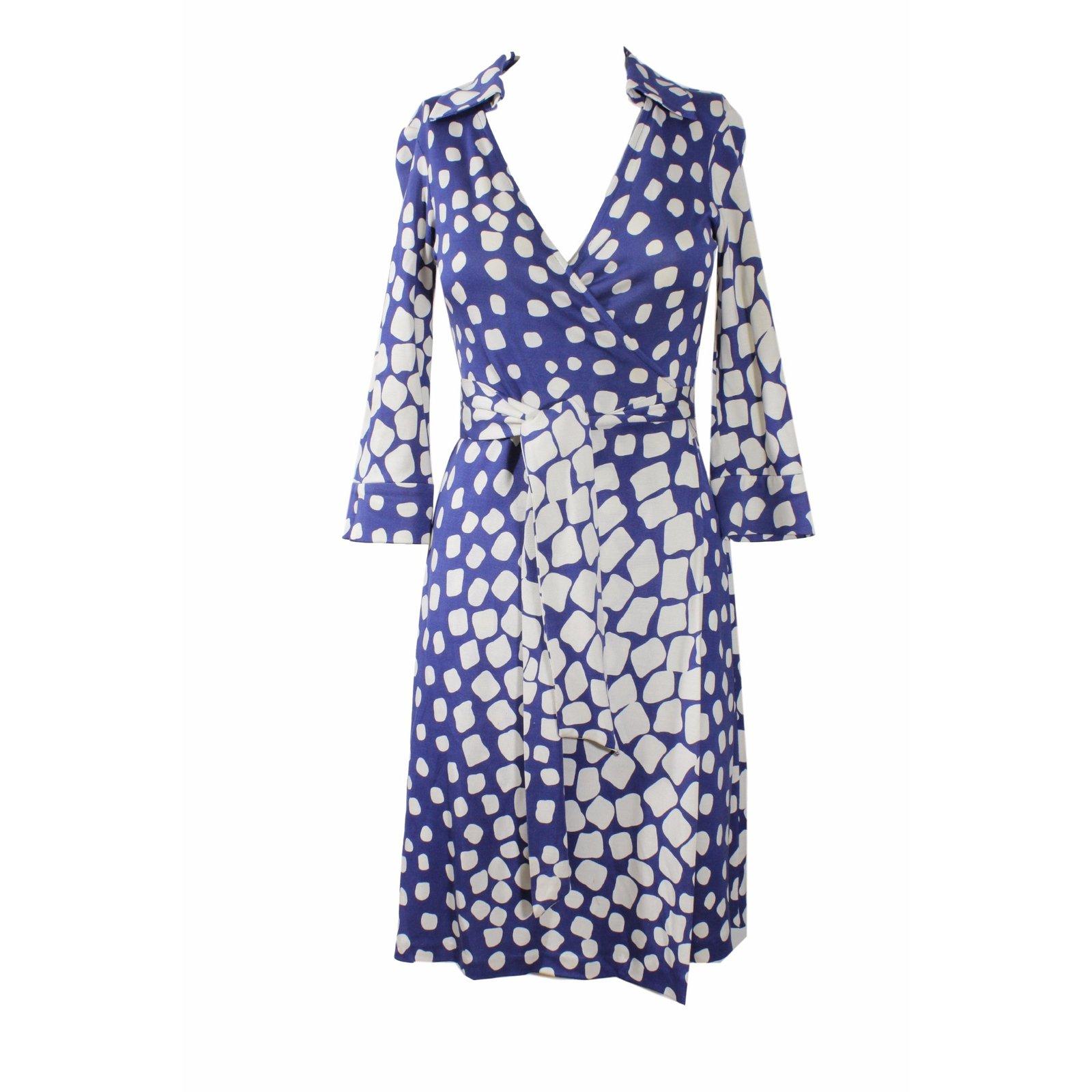 robes diane von furstenberg robe en soie soie bleu joli closet. Black Bedroom Furniture Sets. Home Design Ideas