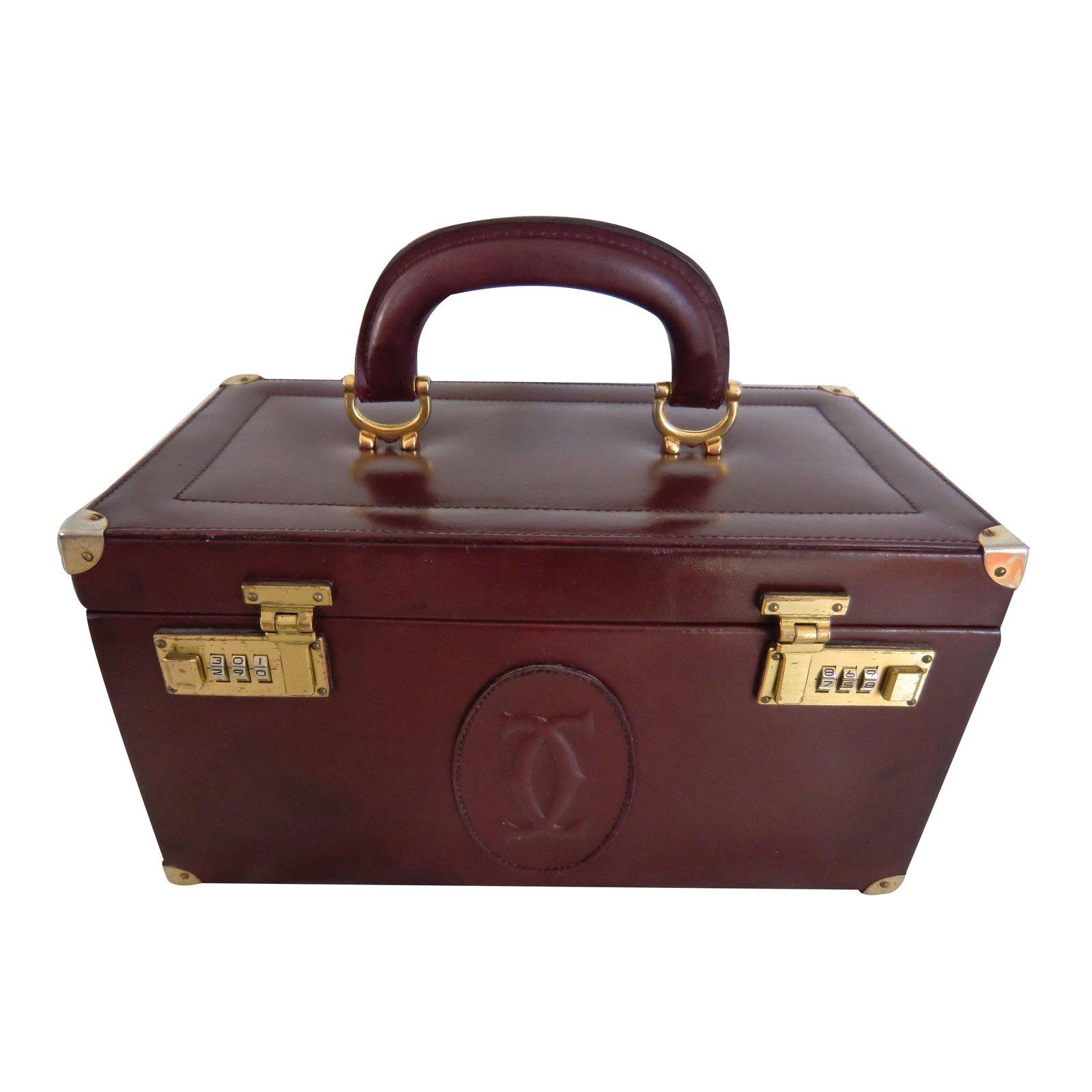e3e7862e2a Sacs à main Cartier vanity Cuir Bordeaux ref.16161 - Joli Closet